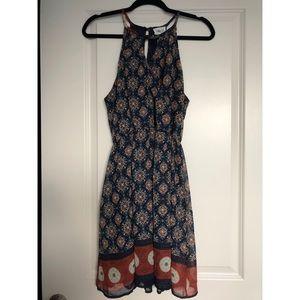 Dresses & Skirts - NWOT!! Knee length patterned dress
